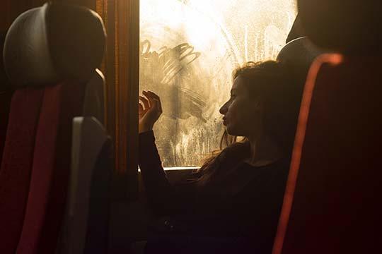 viaje atardecer autobus